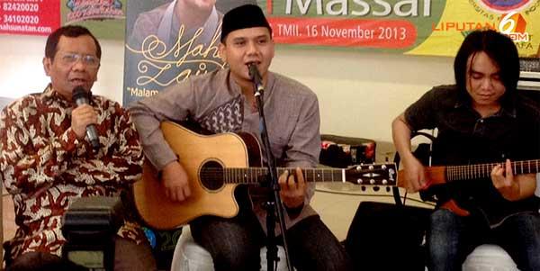Mahfud MD duet dengan Fadly Padi