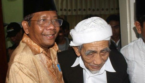 Mahfud MD bersama Kyai